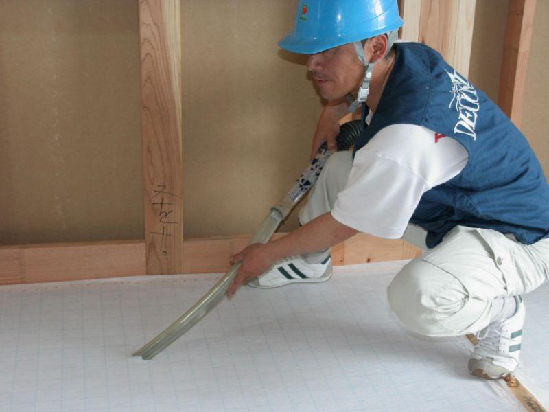 床施工の様子